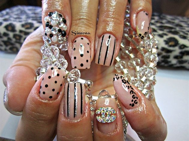 nude+by+simonaleucht+-+Nail+Art+Gallery+nailartgal…