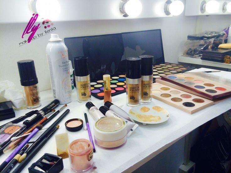 Postazione Trucco! I migliori prodotti professionali per garantire un servizio eccellente. Ily make-up by Ilenia