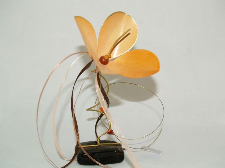 Μπρούτζινα Διακοσμητικά : Λουλούδι σε Βάση