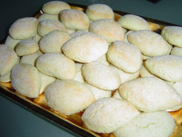 Biscotti con ammoniaca su la cucchiarella