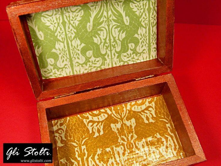 """Scatola artigianale unisex in legno decorata e dipinta a mano """"Federico II"""". Vai al link per tutte le info: http://glistolti.shopmania.biz/compra/scatola-in-legno-decorata-unisex-federico-ii-400 Gli Stolti Original Design. Handmade in Italy. #glistolti #moda #artigianato #madeinitaly #design #stile #roma #rome #shopping #fashion #handmade #style"""