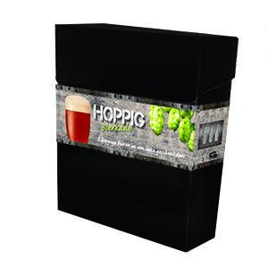 Hoppige Proeverij Stijlvolle geschenkdoos met een proeverij van 3 verschillende hoppige bieren.  – Gouden Carolus Hopsinjoor 33cl – Kasteel Hoppy 33cl – St Feuillien Saison 33cl  www.multicadeau.nl