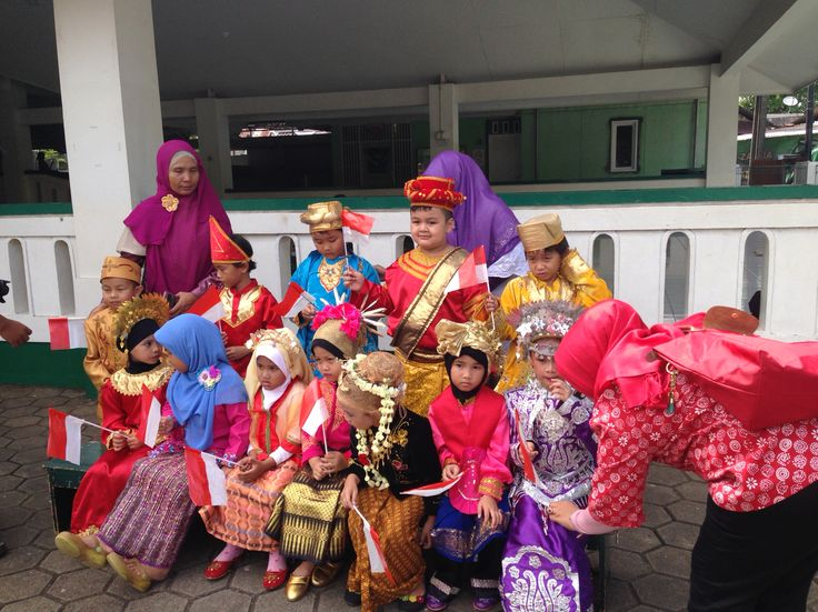 Kids tradition in indonesia