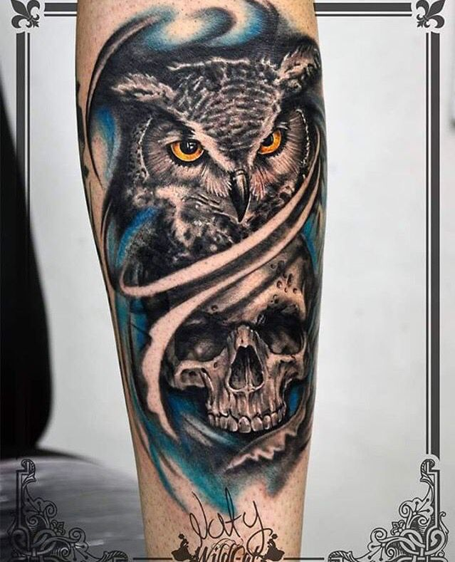Diseñado y tatuado por nuestros tatuadores / Designed and tattooed for our tattoo artists Wildcat tattoo studio  Horario de atención: Lunes a sábado 10:00 AM - 7:00 PM  Calle 52 # 46 - 22 C.C Paseo de la playa, LOCAL 116  Separe ya su cita!  ✅ Whatsapp 301-285-4844 Medellín, Colombia  #skull #lechuza #buho #tattoo #art #color #skin #ink #tatuaje #colores #fullcolor