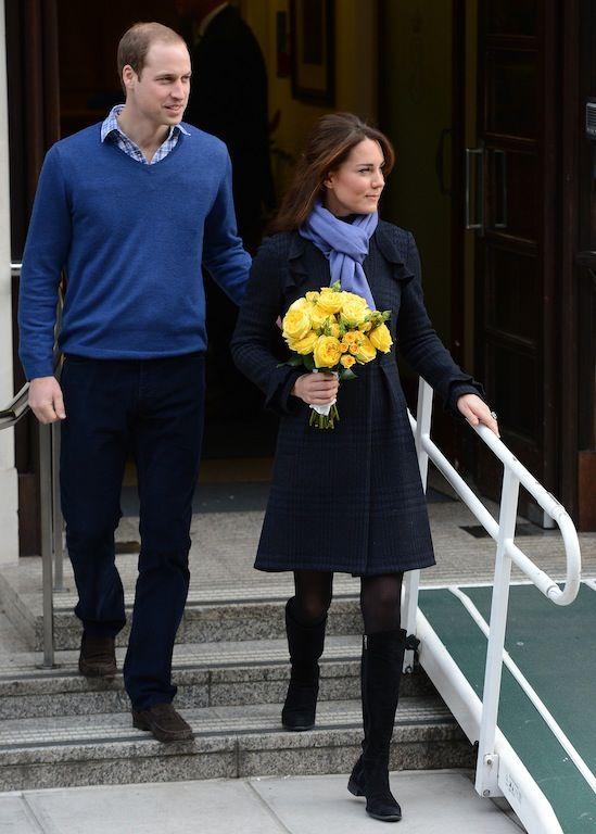 6 Δεκεμβρίου 2012: Λίγο πριν μπει το νέο έτος, η Δούκισσα εμφανίστηκε μετά από τέσσερις ημέρες στο νοσοκομείο -ώστε να ξεπεράσει τις σοβαρές πρωινές ανακατωσούρες- πιο λαμπερή από ποτέ με μπλε καρό παλτό και λιλά πασμίνα γύρω από τον λαιμό.