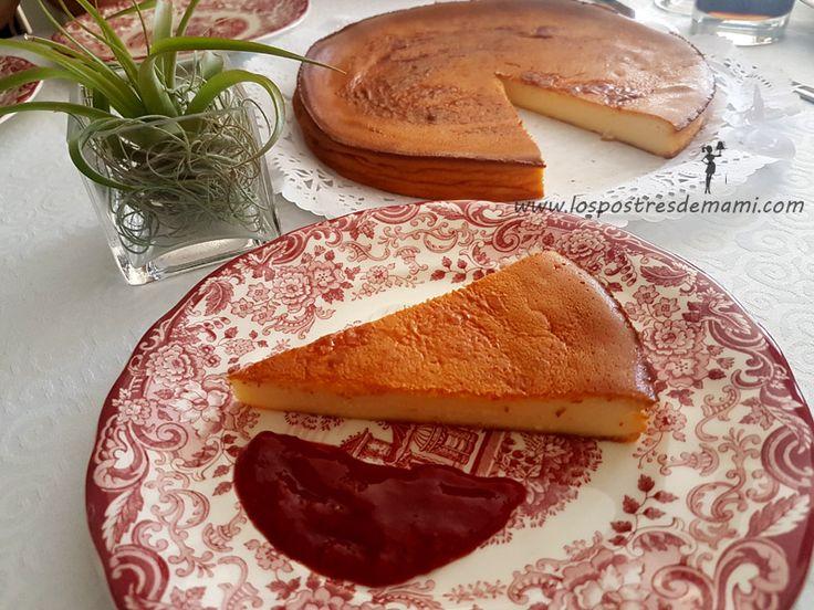 Esta tarta de queso con thermomix me tiene enamorada!Y es que es facilísima de preparar, y encima está buenísima!!! Me encanta el sabor y se puede combin