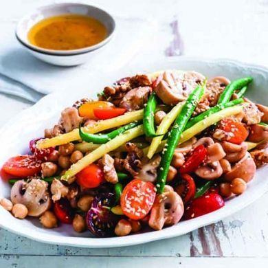 salata de legume cu alune si susan