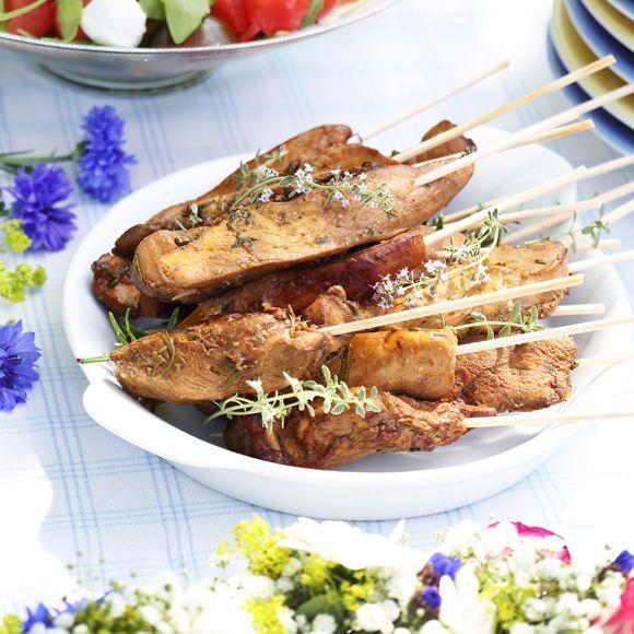 Recept på Grillade kycklingspett med pepparrotskräm från - Hemmets Journal