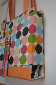 BINDER BAG!  Just looks like a purse but is a better way to carry your binder without out everything falling out! Great for teachers!   # Pin++ for Pinterest #