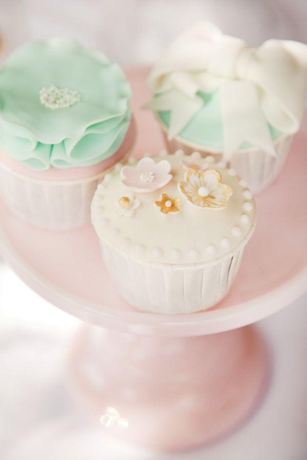 Perfeitos para colocar no nosso cake stand: http://red-elephant.pt/pt/tea-time/295-pastries-pearls-stand-gaiola.html