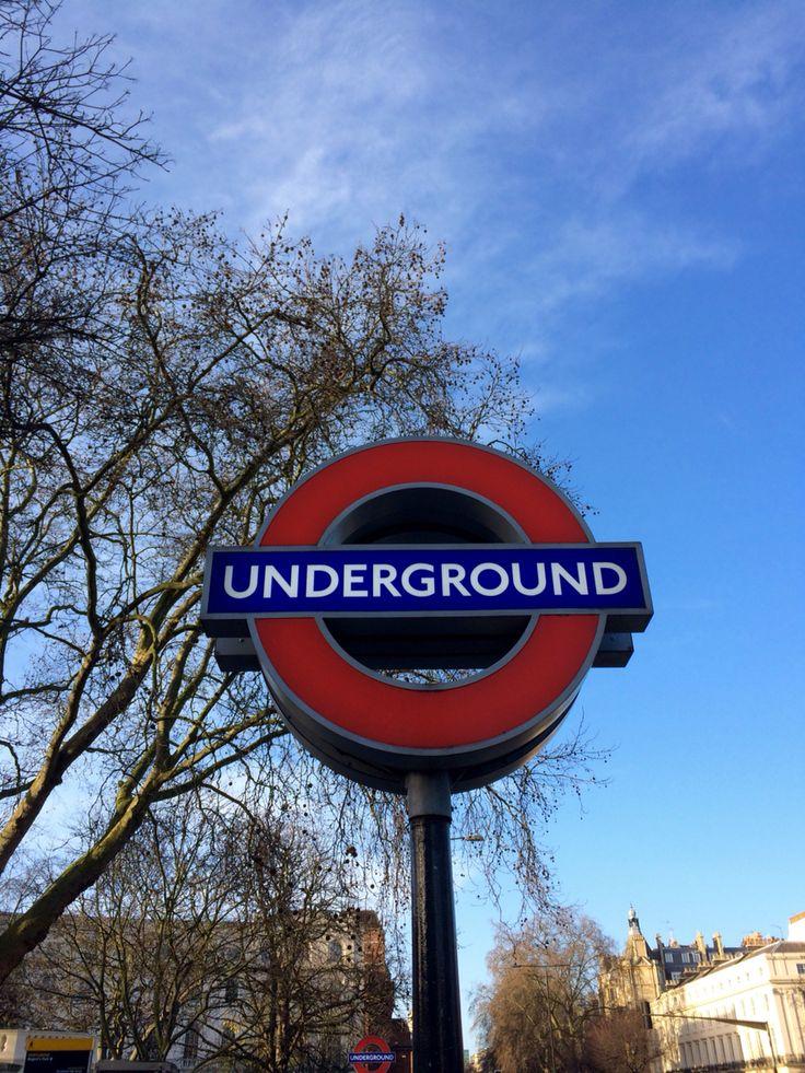 """Weekend à Londres station de métro """"underground"""""""