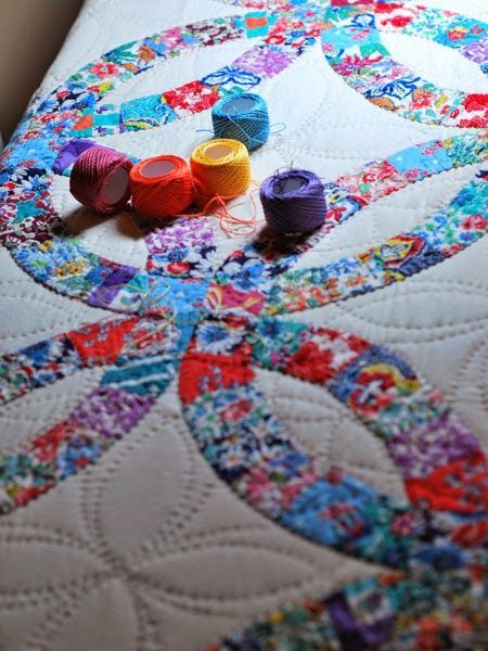 QuiltBee: Betty's Vintage Double Wedding Ring Perle Cotton colours