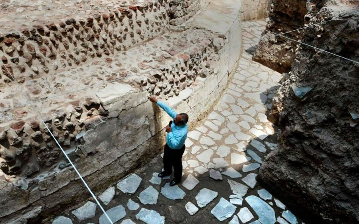"Ancient Aztec temple and ball court discovered in Mexico City Sitemize ""Ancient Aztec temple and ball court discovered in Mexico City"" konusu eklenmiştir. Detaylar için ziyaret ediniz. http://xjs.us/ancient-aztec-temple-and-ball-court-discovered-in-mexico-city.html"