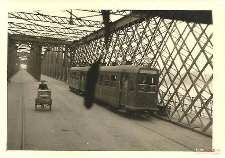 Na Moście Kierbedzia w 1939 roku. Foto: fotopolska.eu