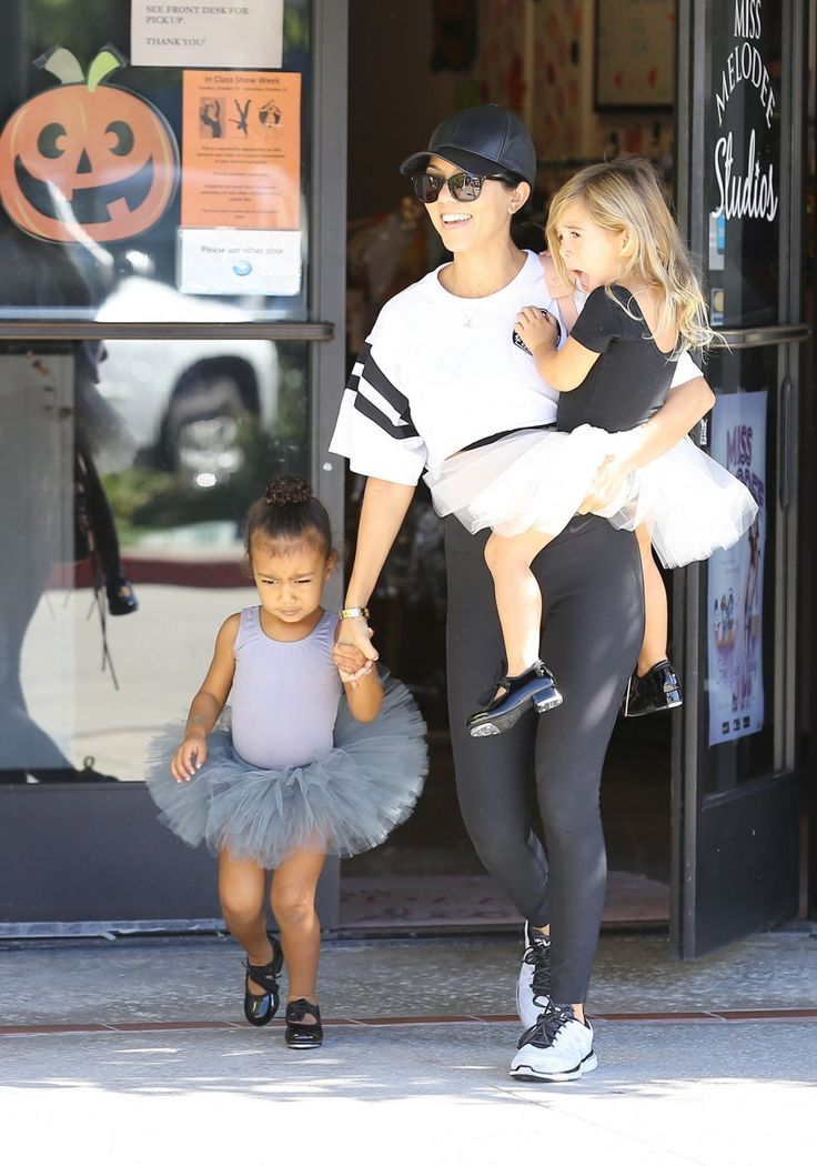 Kourtney Kardashian takes her daughter Penelope and niece North to dance class on October 21, 2015
