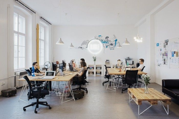 The Prague-based company Social Media agency, Bubble, has created a wonderfully modern office space.