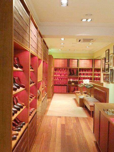 Zapatería Carmina Shoemaker Bilbao en la c/Rodríguez Arias, 14 (Iparraguirre)...#shopping #zapateria #bilbao