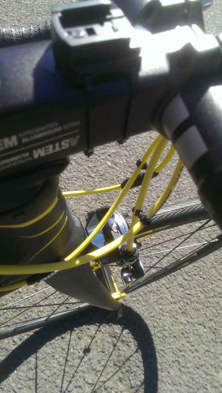 Yellow cables finish the bike off nicely.