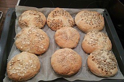 Die schnellsten Brötchen der Welt, ein sehr schönes Rezept aus der Kategorie Brot und Brötchen. Bewertungen: 504. Durchschnitt: Ø 4,2.