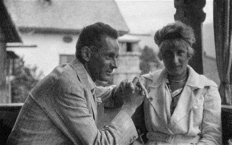 Egon Schiele with his wife, EdithPhoto: EGON SCHIELE ART CENTRUM