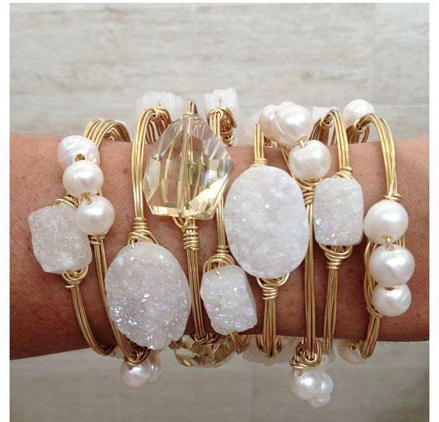 Bracelet for Summer: sea glass & fresh water pearls.