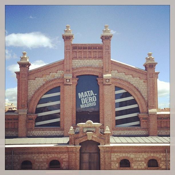 Me encanta el Matadero #matadero #madrid #madridmadrid #all_shots #igla #instagramersmadrid #instagramers #instagram #igierspormadrid #arquitectura - taken by @charlyrek - via http://instagramm.in