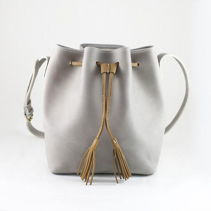 Swansea - Gray leather bucket bag