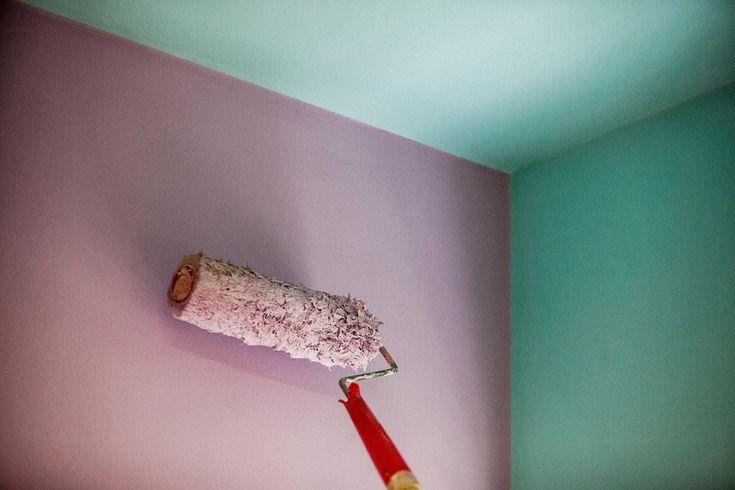 Ambiente colorido: veja dicas de como pintar teto e paredes usando duas ou mais cores.
