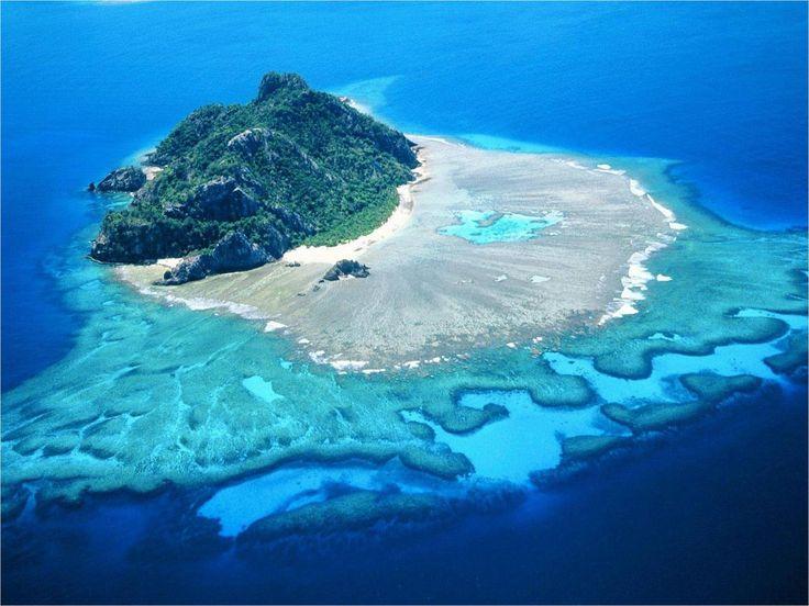 La paradisiaca isla Monurik en Fiyi | Es la segunda isla de mayor tamaño en la Gran Barrera de Coral, después de la isla Lady Elliot. Está situada al norte de Brisbane y su acceso más sencillo es llegar en barco desde la...