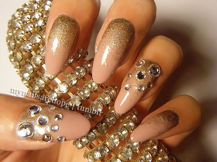Pretty Nails with Gold Details - 214 Best Nails - Gold! Images On Pinterest Make Up, Coffin Nails