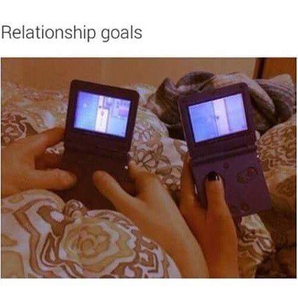 ladyeris22: Awesomeness #GamerGirl #Gameboy #Nintendo #RelationshipGoals #gameboy #microobbit