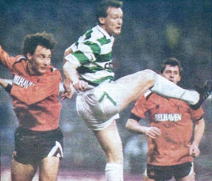 Celtic 0 Dundee Utd 1 in Nov 1989 at Parkhead. Action as Dundee Utd stun Celtic in the Scottish Premier League.