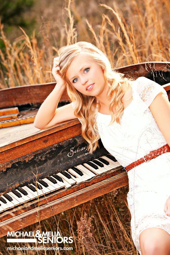 senior+pictures+with+a+piano | Michael-and-Melia-Seniors-Bailee-Piano-Senior-Pictures-03.jpg