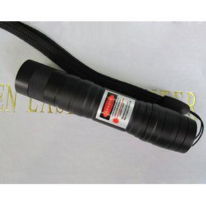 http://www.pointeurlasers.com/5000mw-vert-laser-puissant.html - Ce laser vert d'une puissance 5000mW émet un faisceau laser vert uniformément fort qui est assez puissant pour atteindre à travers n'importe quel endroit à l'intérieur ou à l'extérieur.