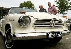 6-Jul-2014 19:21 - REGEN SPELBREKER OP OLDTIMERDAG. Noordscheschut stond zaterdag weer in het teken van oude auto's, trekkers en motoren. Het werd niet de meest heugelijke uitgave.