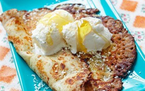 Thin pancakes with banana and syrup via arla.dk