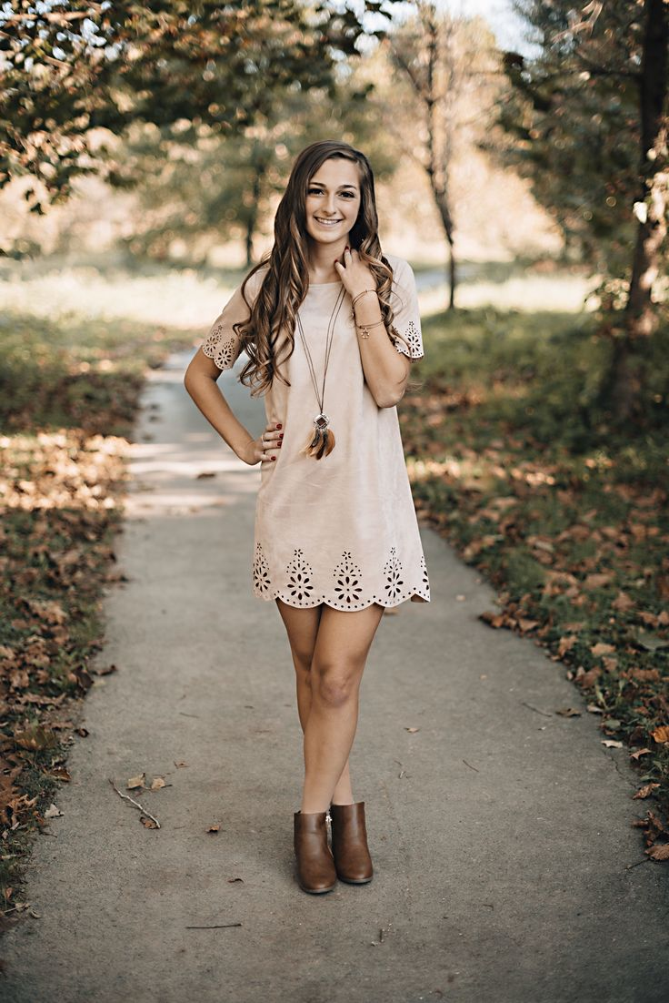 Fall Senior Pictures | Carroll County, MD Senior Portrait Photographer | Naturally Vivid Photography