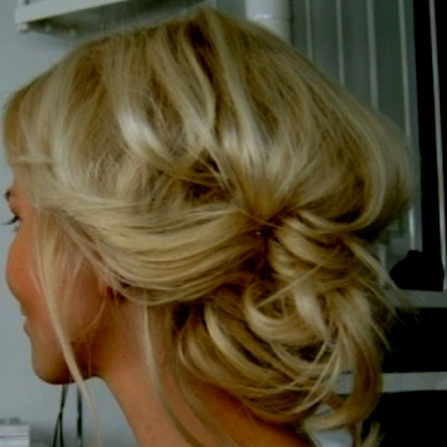 Perfect for work or going out! Hair Ideas, Hairstyles, Wedding Hair, Bridesmaid Hair, Messy Hair, Long Hair, Messy Buns, Hair Style, Updo