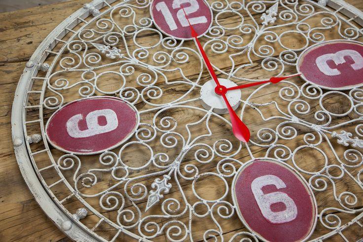 Relógio Arabescos Vermelho | A Loja do Gato Preto | #alojadogatopreto | #shoponline