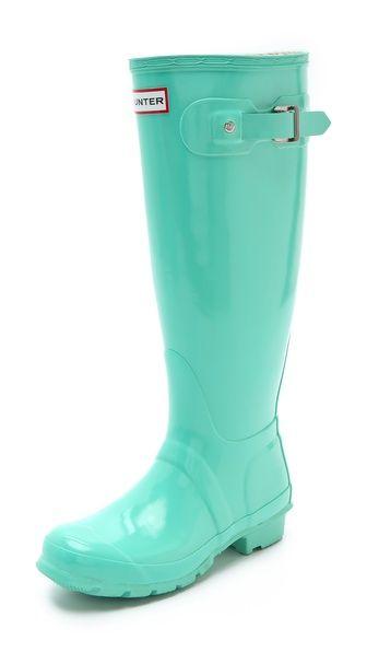 mint hunter boots! SOSOSOOO on my christmas list (: