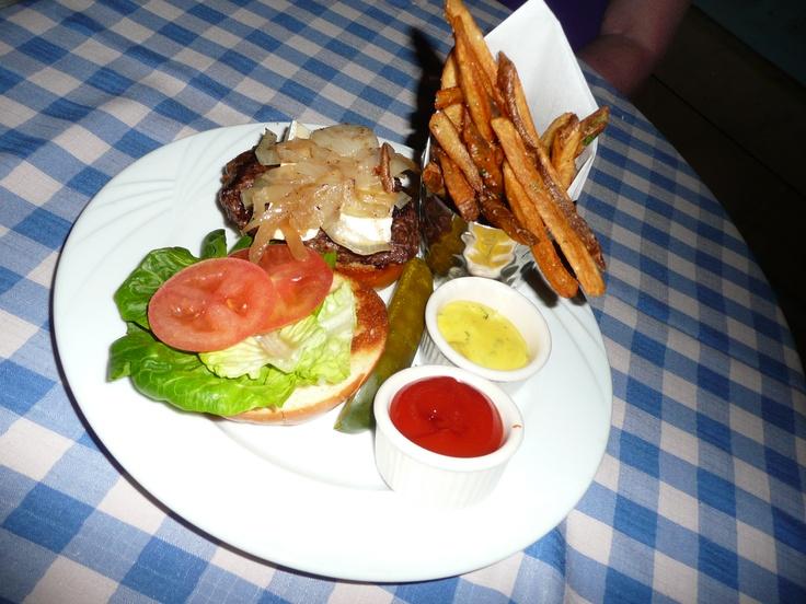 The Paris Burger at Le Cafe at Paris Casino- avec Brie, carmelized onions et pomme frites. Oo La La (the French vocab throughout the Casino came in handy ;D )