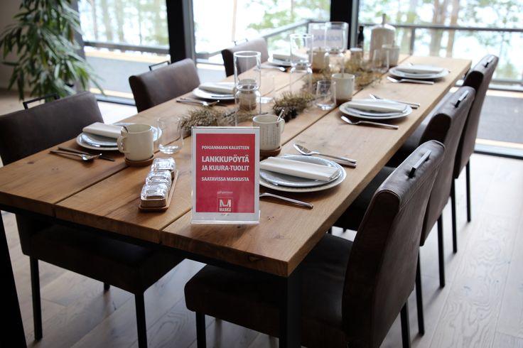 Yksi Pohjanmaan uutuuksista löytyy Asuntomessukohteen 9 keittiöstä: rouhean tyylikkäät Lankku-ruokapöytä ja Kuura-tuolit. Mitä pidät, sopisivatko nämä sinun keittiöösi?   #pohjanmaan #pohjanmaankaluste #asuntomessut2017