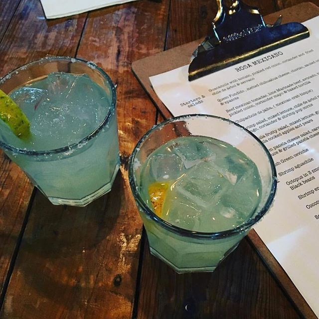 Todays #margaritaoftheday is brought to you by @luyt8 ! This looks so yummy!!! We will be there in 2 days... #margarita #tequila #instacocktail #thesaltedrim