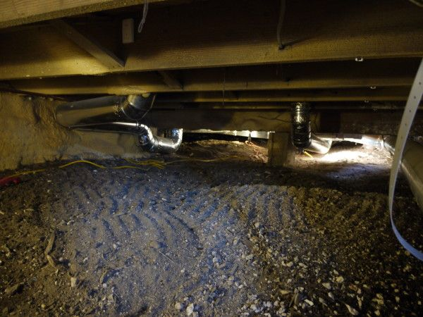 How To Install A Crawl Space Vapor Barrier To Control Moisture And Odor With Images Crawl Space Vapor Barrier Crawlspace Crawl Space Encapsulation