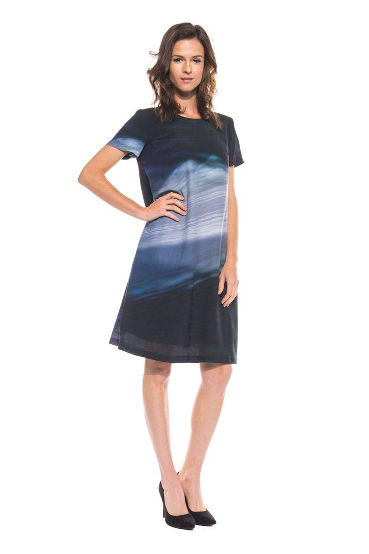 Elegancka sukienka z krótkim rękawem
