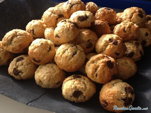 Bolitas de galleta con chocolate