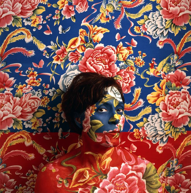 Camouflage Wallpaper body paintings by Cecilia Paredes