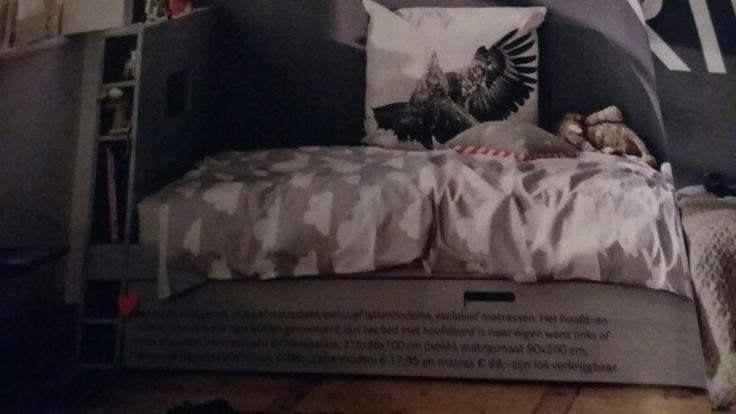 Bed borg met ka voor matras en kast aan hoofdeinde 218-96-100  399 euro 90x200 matras. Marras maat la190x90