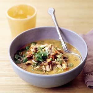 Recept - Stap-voor-stap tom yam kai (Thaise kippensoep) - Allerhande