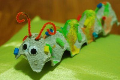 Toddler crafts: Egg Carton Caterpillar, this can help a child develop social, emotional and physical development when making or playing with the caterpillar.